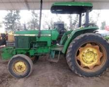 Tractor Jhon Deere 5700
