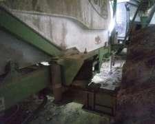 Pulverizadora Arrastre Metalfor y Tanque de Agua