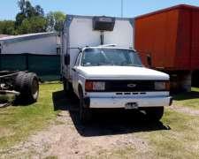 Chevrolet D40 con Furgon y Equipo de Frio