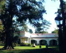 La San Antonio, Alojamiento, DÍA de Campo.