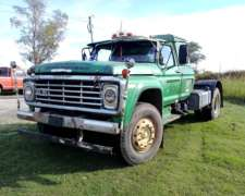 Ford 700 con Motor Mercedes