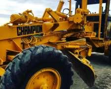 Champion 680, Hidraulica, Motor Nuevo