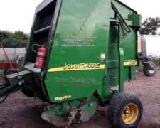Rotoenfardadora John Deere 567 Megawide