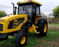 Tractor Pauny 250 C, año 2011 con Motor Cummins