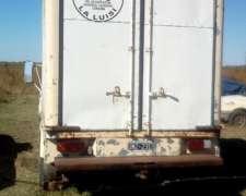 Camioneta C/ Furgon Termico Inoxidable con Equipo de Frio
