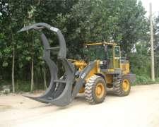 Pala Cargadora con Garra Forestal Brumby 2M3 3tn