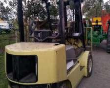 Autoelevador Clark 2,5 Diesel