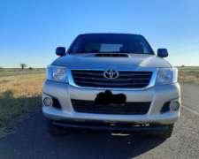 Toyota Hilux 4X2 DC 2012 67000 km