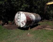 Vendo Tanque de 8000lts Metalico C/pasa Hombre