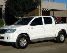 Unico Dueño con Solo 146.801 KM. Toyota Hilux 3.0 TDI 4x4.