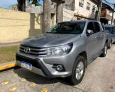 Toyota Hilux 2.8 CD SRV 177cv 4X4 AT