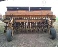 Sembradora Agrometal MX 23/21 TU.