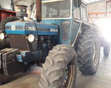 Tractor New Holland 7630 con Tres Puntos