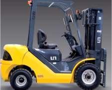 Autoelevador Marca AV, 2500kg, Nuevo