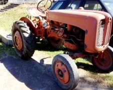 Dos Tractores Fiat u 25