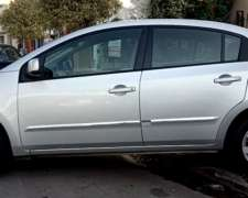 Nissan Sentra Acentra 2.0 N - 2.012 / muy Buen Estado Gral.