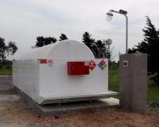 Tanques Aéreo de Combustibles con Batea y Surtidor Standart
