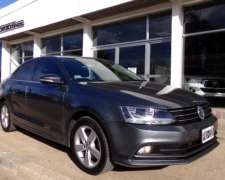 Vento Luxury 2.5 Nafta Tiptronic L15 año 2015, Impecable