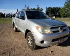 Pick UP Toyota Hilux 2.5 año 2007, 4x4. Lista P/ Transferir