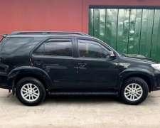 Toyota SW4 3.0 SRV Cuero I 171cv 4X4