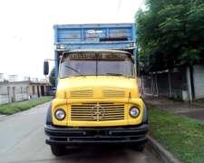 Camión Mercedes Benz 1214 Llevado a 1518