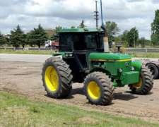 Tractor John Deere 3540, Doble Tracción 125 HP