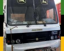 Colectivo Mercedes Benz, Equipado con Cocina, Baño, Camas