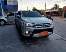 Toyota Hilux 4X4 Automática SRX Full 2016