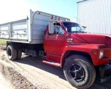 Camión Ford 7000 Volcador
