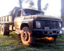 Camión Volcador Ford 700