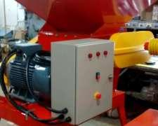 Quebradora de Granos L-300 con Mesa M/electrico 15 HP. Loyto