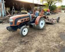 Tractor Hanomag 250a, de 30 HP, con Tres Puntos
