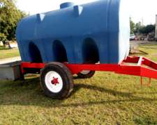 Acoplado Tanque Bebedero de 6000 Litros .
