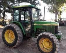 Tractor John Deere 5700