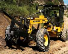 Motoniveladora RG 140 New Holland
