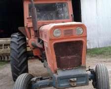 Tractor Fiat 700 con Motor Perkins