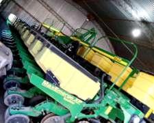 Sembradora Jhon Deere Neumática Doble Fertilización