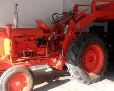 Tractor Fiat 780 con Pala Invertida