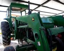 Tractor John Deere 3140 con Pala