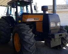 Tractor Valtra BH 140 con Piloto John Deere