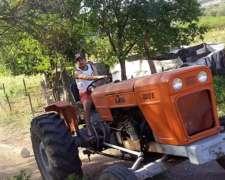 Tractor 700 Impecable Permuto por Mercedes 1518