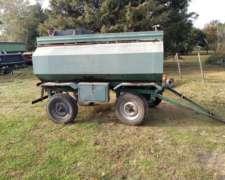 Cisterna 3000 Litros con Tanque de Agua y Baulera