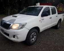 Vendo Toyota Hilux 4x4 2012