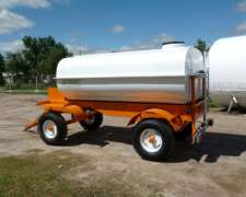 Acoplado Tanque 4400 Litros para Transporte de GAS Oil.