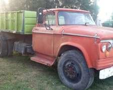 Camión Dodge con Caja Volcadora