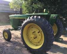 Tractor JD 2420 Inmaculado