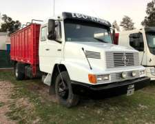 Mercedes Benz 1633 con Carroceria