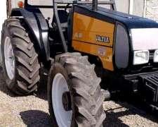 Tractor Valtra BL88 90 HP. Doble Tracción año 2009