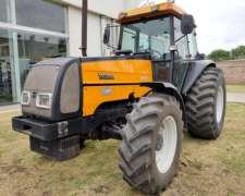 Tractor Valtra BM 120 con Cabina