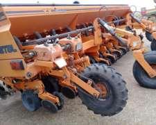 Agrometal TX Mega .DE 13 a 52. año 2001.doble Fertilización